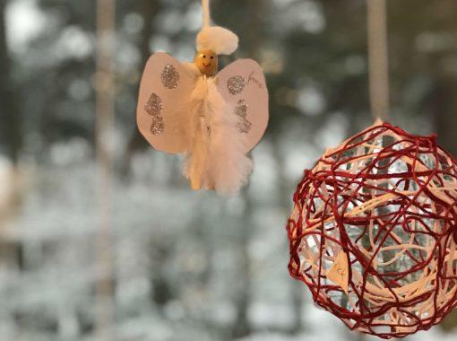 Kerstknutselen terwijl het buiten sneeuwt!